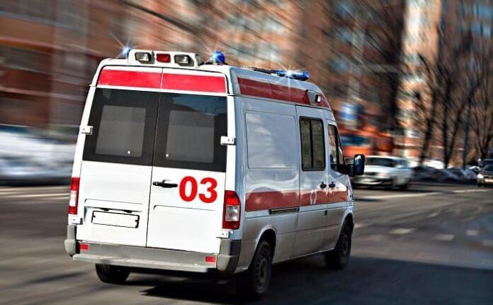 Следователи проверят инцидент с уральцем, выброшенным из машины скорой помощи в сугроб. ВИДЕО
