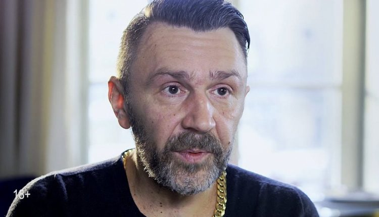 Сергей Шнуров решил двинуть в петербургский парламент
