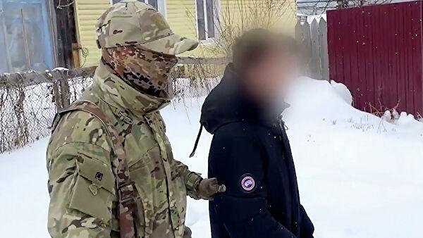 На Сахалине ФСБ задержала студентов, которые планировали напасть на колледж с обрезом и бомбами