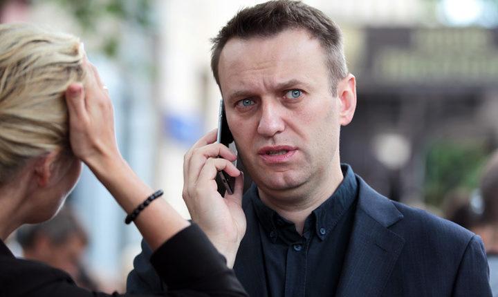 Семьям Навального и его соратника Жданова заблокировали банковские счета
