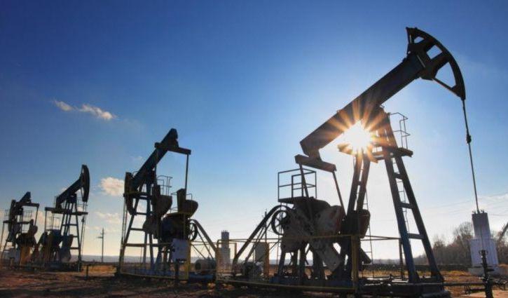 В Кремле не считают катастрофой падение цен на нефть