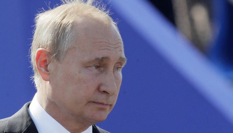 «Левада-центр»: большинство россиян не хотят видеть старика в президентском кресле