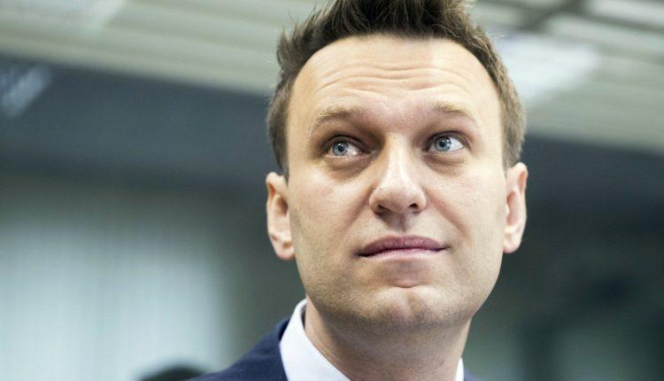 На Алексея Навального совершено очередное нападение. ВИДЕО