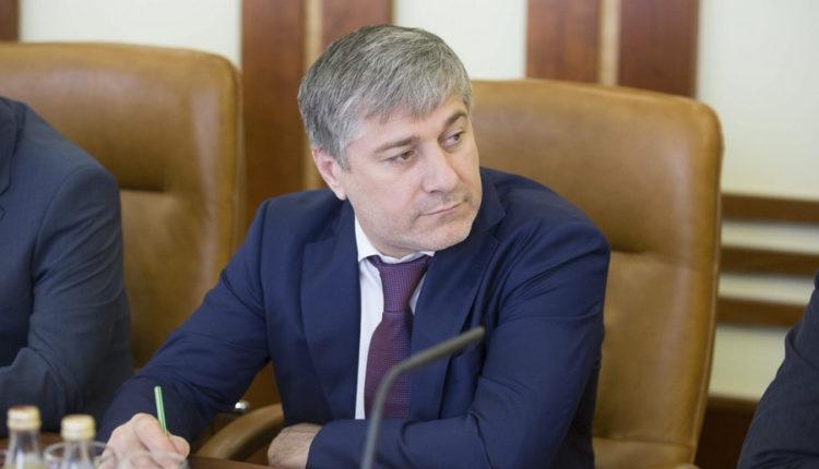 В Кремле прокомментировали награждение чеченского сенатора, который за 5 лет не внес ни одного законопроекта