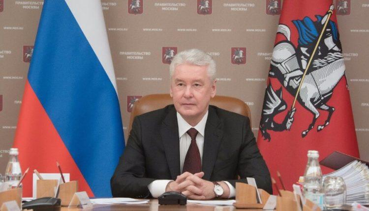 Вместо реальной помощи бизнесу мэрия Собянина развесит по городу плакаты за 25 млн рублей
