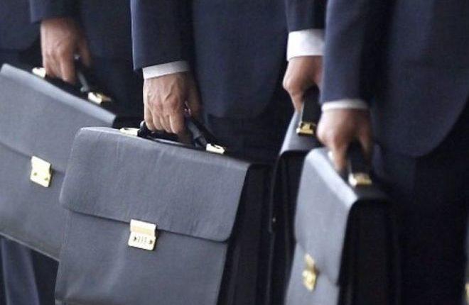 Правительство одобрило предложение наказывать чиновников за хамство