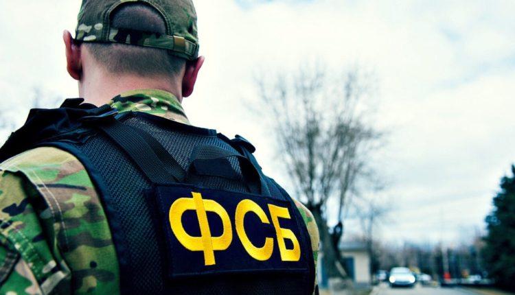 Экс-офицера ФСБ обвинили в хищении девяти дагестанских ковров ручной работы