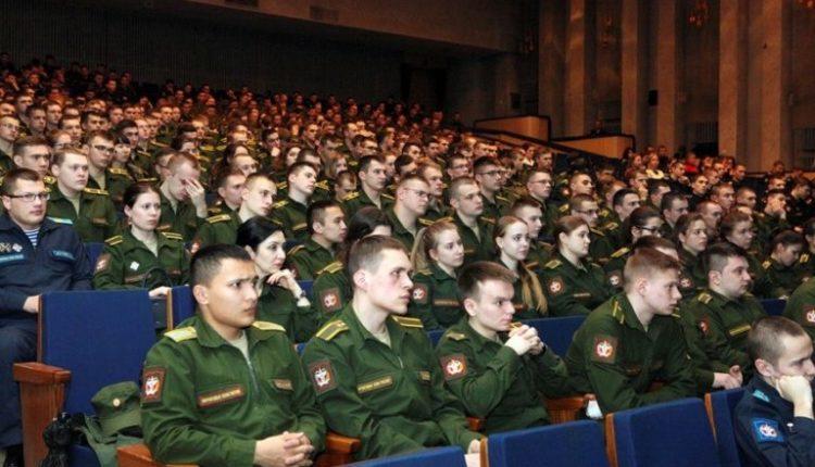 Коронавирус диагностирован более чем у 50 курсантов Военно-медицинской академии в Петербурге