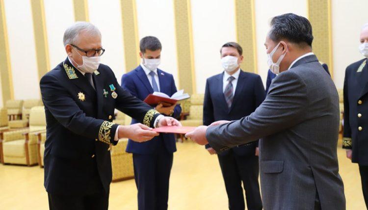 Путин наградил Ким Чен Ына медалью «75 лет Победы», которая должна вручаться только ветеранам и труженикам тыла