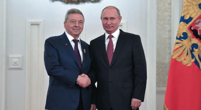 Научный руководитель дочери Путина владеет недвижимостью на Рублевке