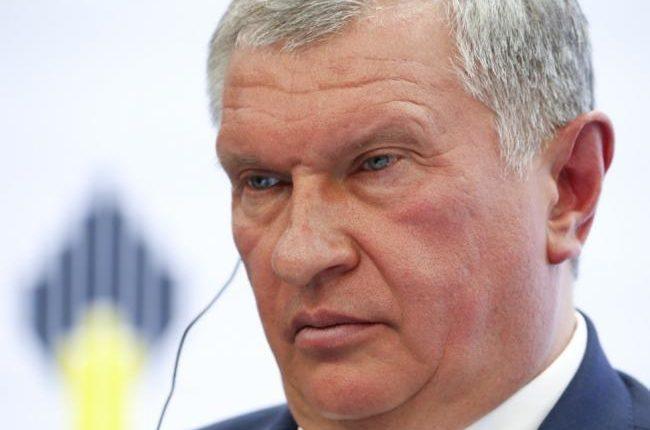 Вознаграждения топ-менеджеров «Роснефти» увеличили несмотря на убытки и кризис