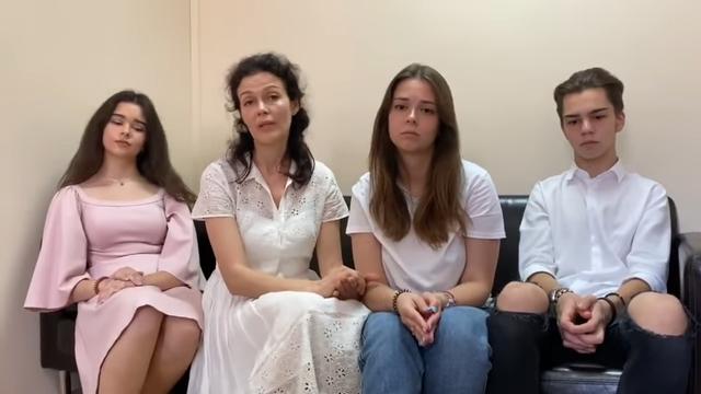 Сын экс-генпрокурора Чайки не дает своей жене развод и грозится отобрать у нее детей. ВИДЕО