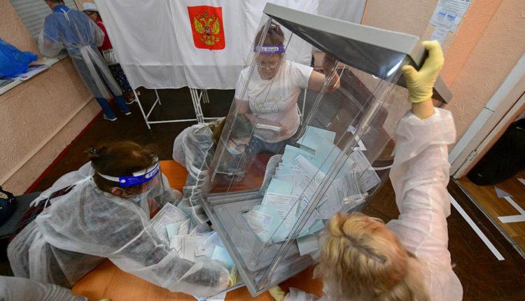 В Москве глава избиркома лишилась поста из-за подмены членов комиссии на других людей