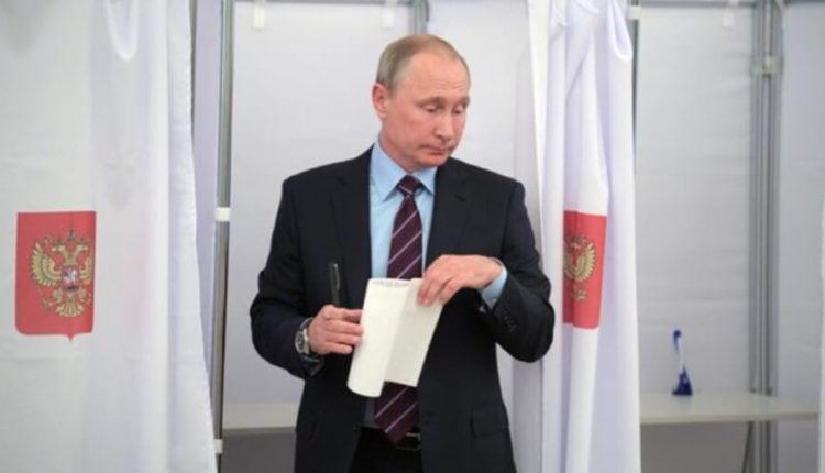 Почти половина избирателей не одобрили поправки на участке, где голосовал Путин