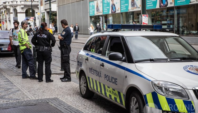 Российского дипломата в Чехии поймали на незаконном приобретении патронов для снайперских винтовок