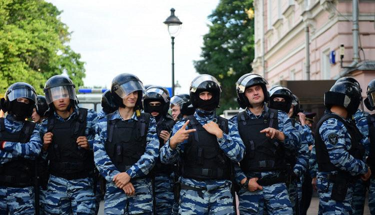 В Кремле отказались сообщить численность резерва российских силовиков для помощи Лукашенко