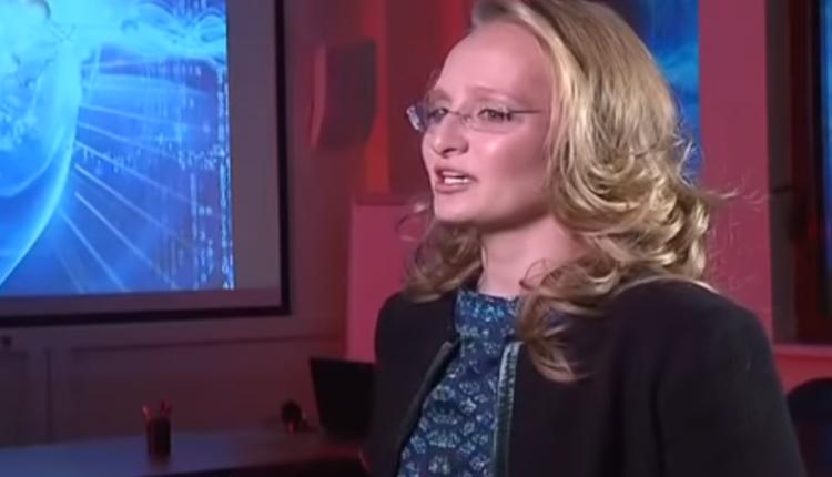 Младшая дочь Путина Катерина Тихонова одной из первых привилась российской вакциной от COVID-19