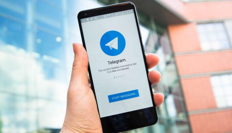 Мессенджер Telegram может быть куплен российским олигархом или компанией Mail.ru Group