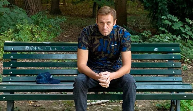 Песков заявил об отсутствии подтверждений применения химического оружия против Навального