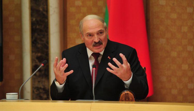 После тайной инаугурации Лукашенко поблагодарил силовиков за разгон «дряни» с улиц Минска. ВИДЕО