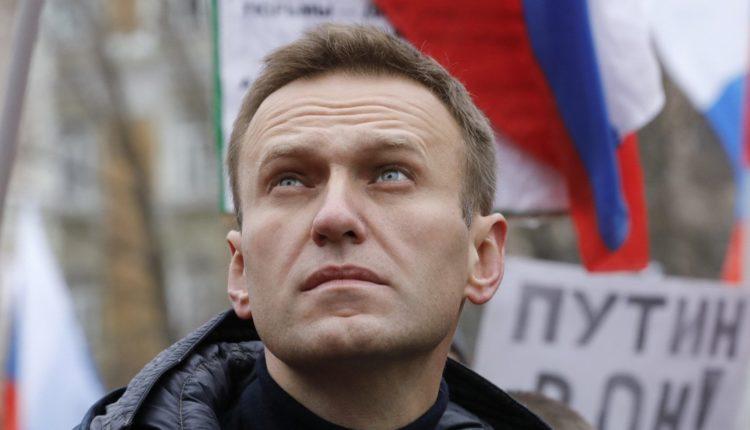 Власти Германии будут сотрудничать с Россией по делу Навального только с его согласия