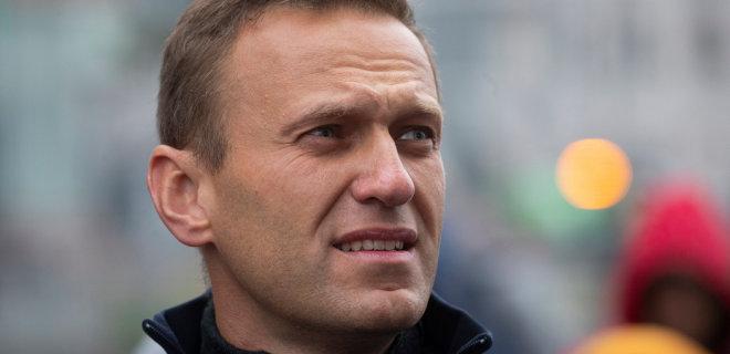 Бутылку воды со следами «Новичка», которым отравили Навального, обнаружили в томском отеле