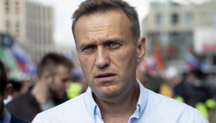 Алексей Навальный в полной мере пришел в себя после отравления. Он помнит все события, предшествующие инциденту