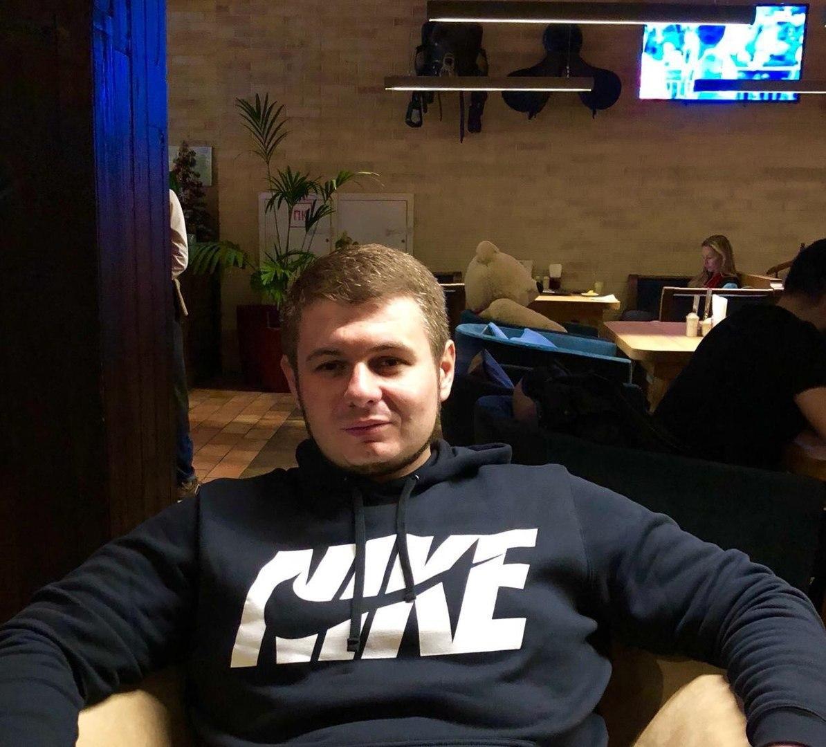 Дмитрий Бобков