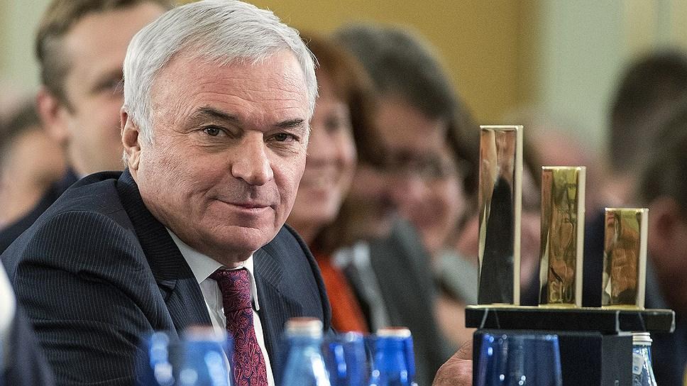 Олигарх Виктор Рашников, хозяин мегаяхты Ocean Victory