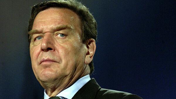 Экс-канцлер Германии подаст в суд из-за интервью с Навальным, который назвал его «мальчиком на побегушках у Путина»
