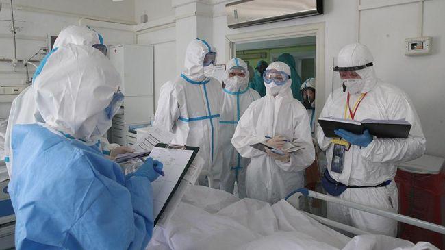 В Роспотребнадзоре ожидают выхода на плато по коронавирусу через 10-20 дней