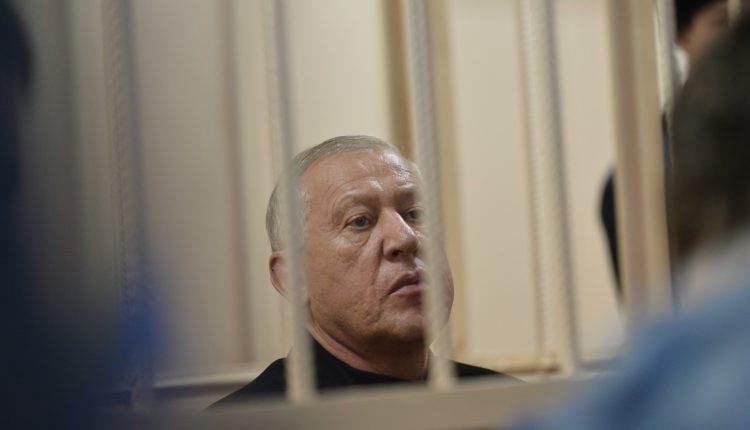 Гособвинение запросило для экс-главы Челябинска Евгения Тефтелева шесть с половиной лет колонии строгого режима