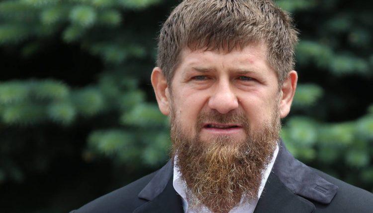 Кадыров предложил Навальному обвинить его в отравлении