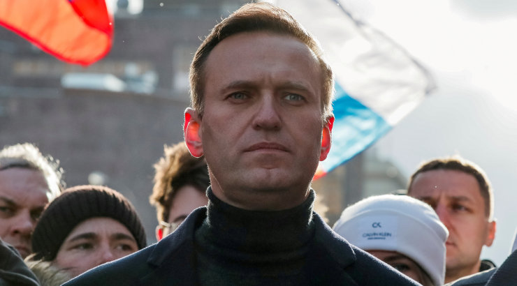 Евросоюз согласовал санкции против россиян из-за отравления Навального «Новичком»