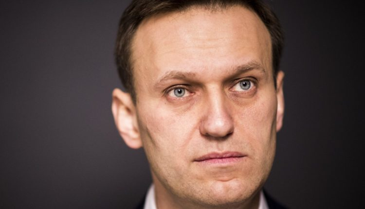 «За этим преступлением стоит Путин». Навальный впервые дал интервью после отравления