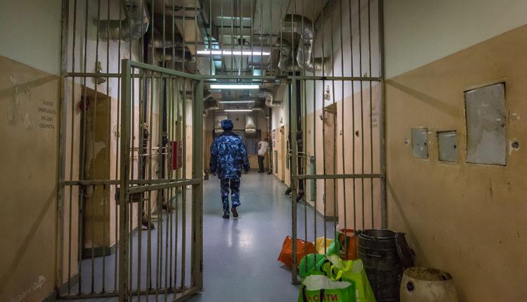 В московские следственные изоляторы перестанут пускать правозащитников, а общение с адвокатами будет происходить через стекло
