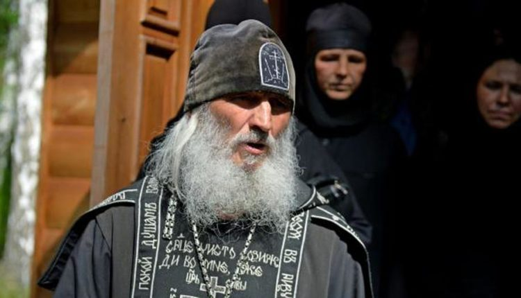 СК возбудил дело об истязании детей в монастыре, который захватил бывший схиигумен Сергий
