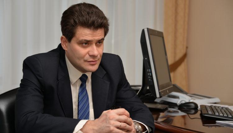 «Можно и нужно». Мэр Екатеринбурга разрешил вышвыривать из транспорта людей без масок