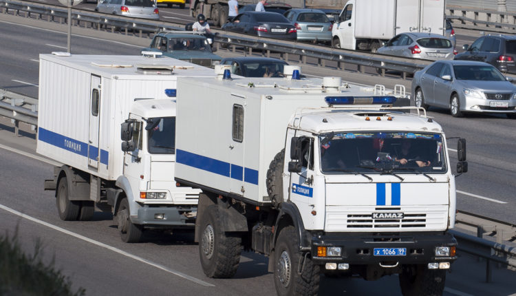 Московские власти потратят полмиллиарда рублей на 100 новых автозаков