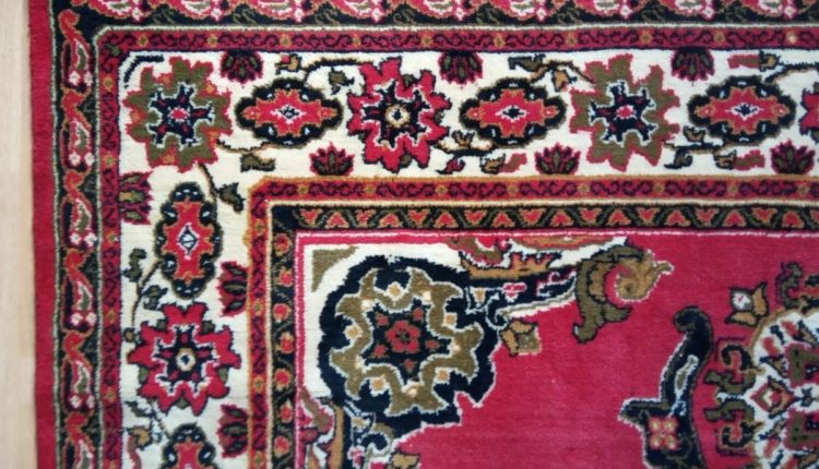 Экс-сотрудник ФСБ получил условный срок за хищение дагестанских ковров ручной работы