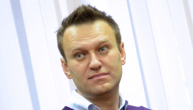 Суд вновь оштрафовал Навального за отказ удалять расследование про «повара Путина» Пригожина