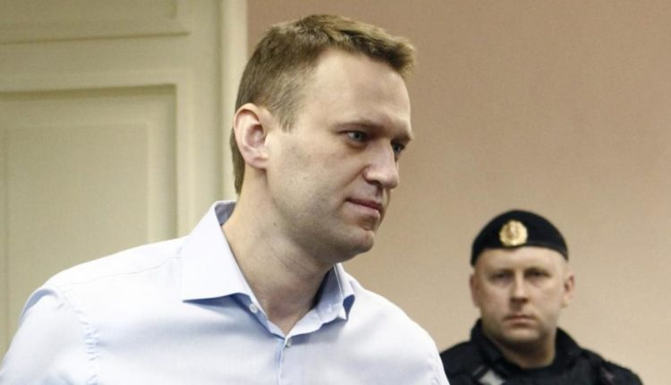 Суд отказался рассматривать жалобу о бездействии ФСБ в связи с отравлением Навального
