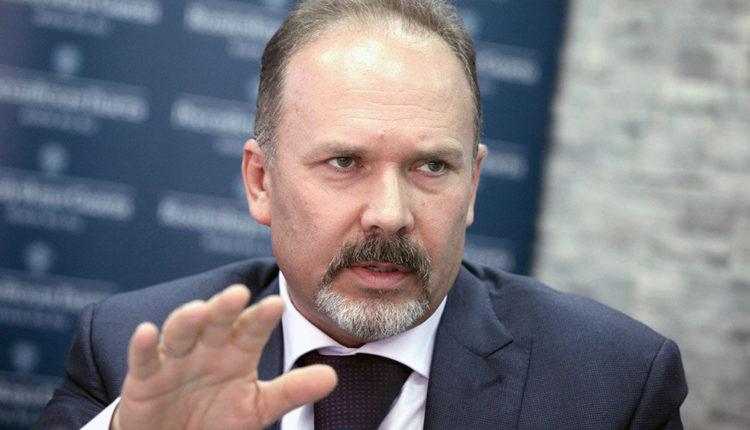 Бывшего министра строительства и ЖКХ Михаила Меня заподозрили в хищении 700 миллионов рублей