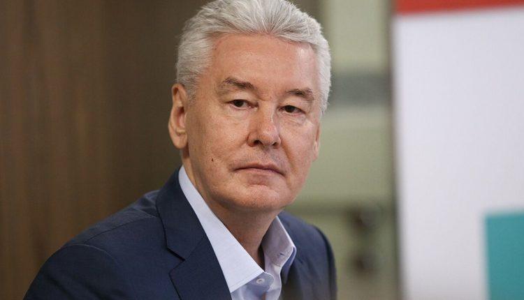 Мэр Москвы еще на две недели продлил дистанционное обучение столичных школьников