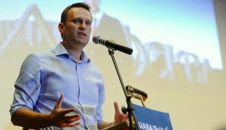 В омской больнице опровергли возможность второго отравления Навального в ее стенах