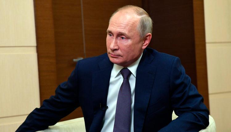 Путин ответил на вопрос о «печальном деле» Навального на встрече с Советом по правам человека