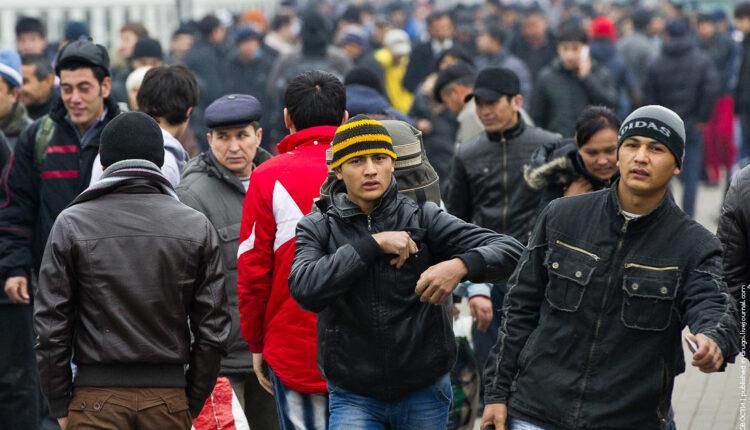 МВД потребовало у стран СНГ забрать «незаконных» мигрантов из России