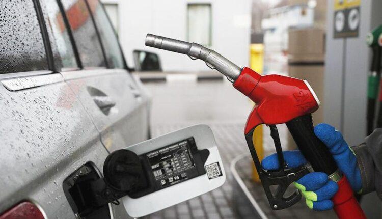 Стоимость бензина на российских заправках с начала года выросла на 3,2%