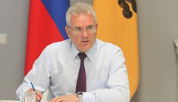 Экс-губернатор Белозерцев признался в получении 20 млн рублей от Шпигеля