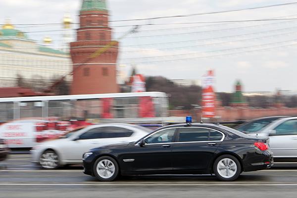 Российская академия наук израсходует 11,4 млн на автомобиль с мигалкой и водителем для своего президента
